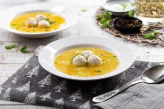 Riblja juha s okruglicama od orade